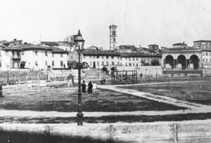 Piazza mercatale agli inizi del 1900